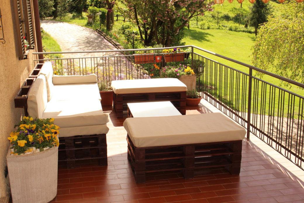 Arredamento da giardino in pallet gr design for Mobili da terrazzo in legno